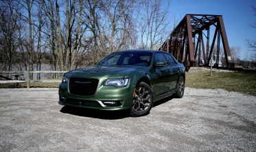 2018 Chrysler 300 Review - 6