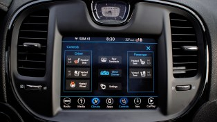 2018 Chrysler 300 Review - Climate
