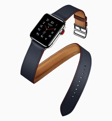 New Hermes Apple Watch Bands double tour 2018.jpg