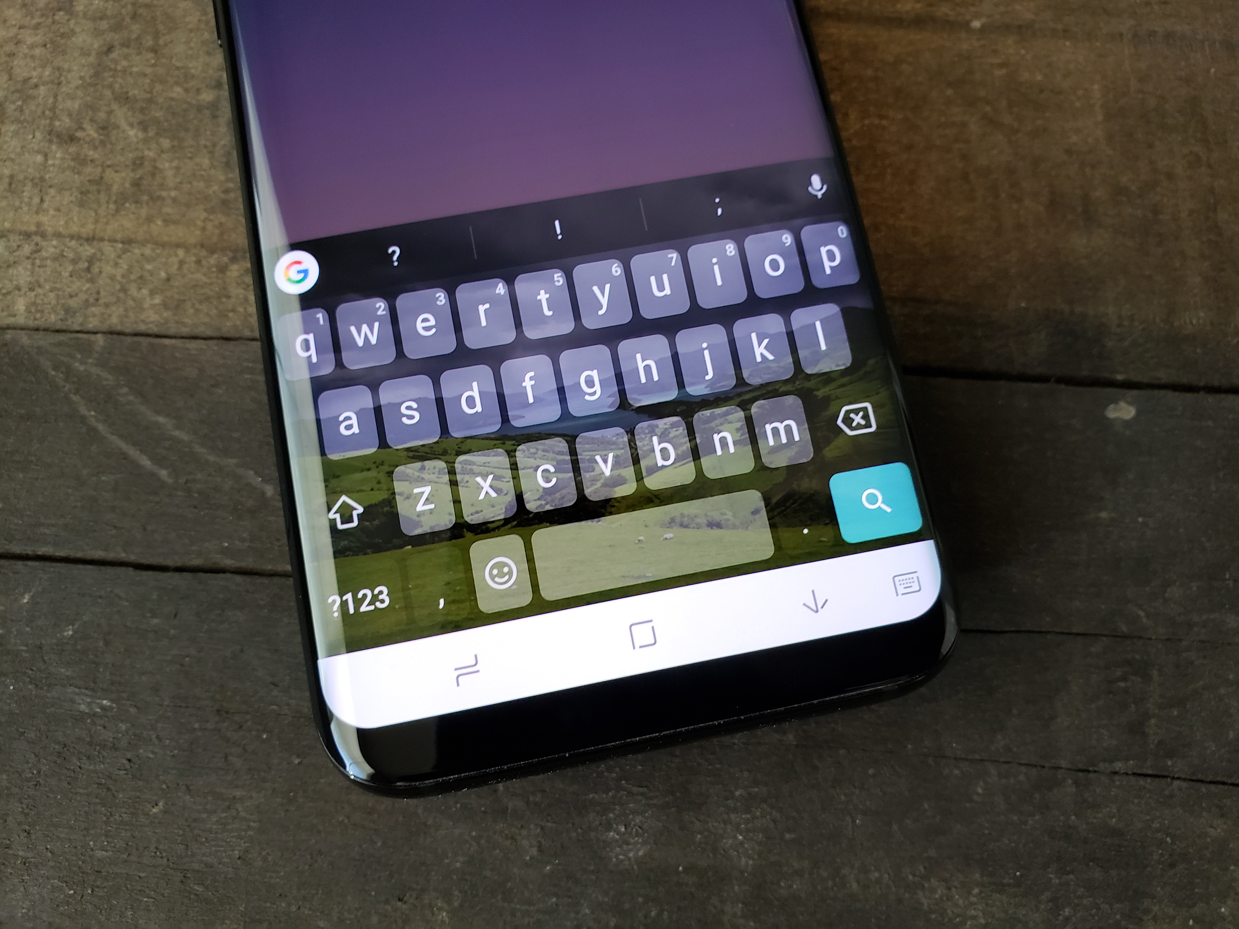 How to Customize the Galaxy S8 Keyboard