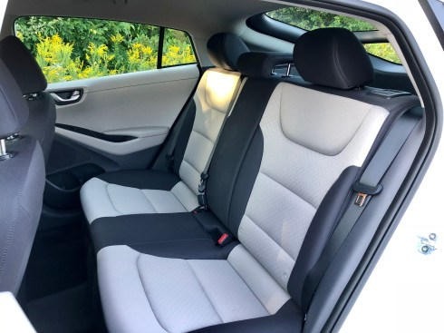 2018 Hyundai Ioniq Hybrid Review - 13