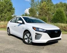 2018 Hyundai Ioniq Hybrid Review - 5