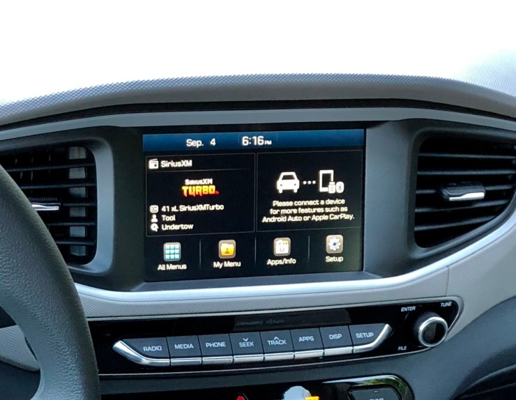 The infotainment system is easy to use and includes Android Auto and Apple CarPlay.