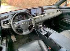 2019 Lexus ES 350 Review - 9