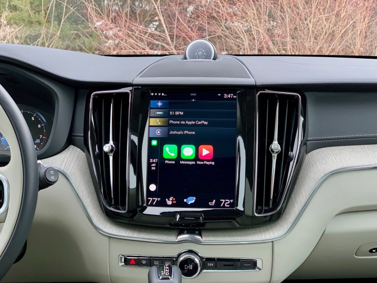 The Sensus system is good and supports Apple CarPlay and Android Auto.