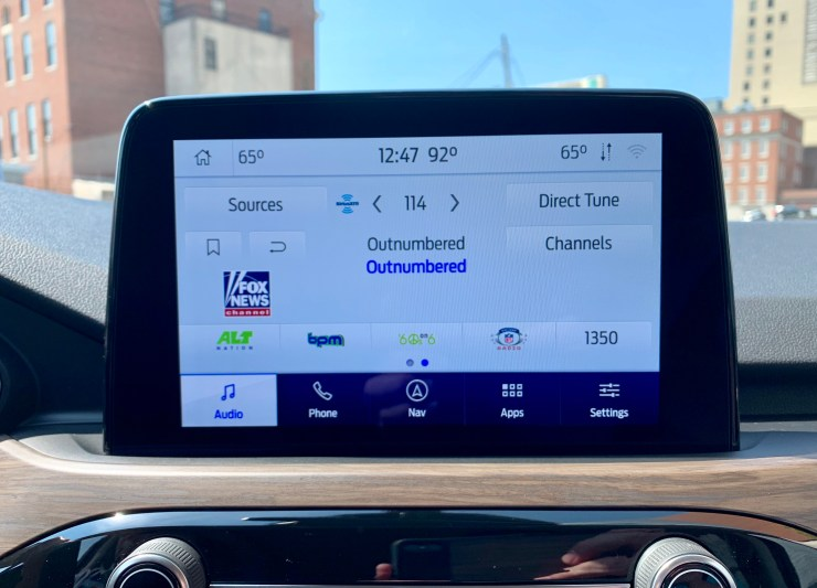 Sync 3 is easy to use, supports Apple CarPlay and Android Auto as well as Waze and FOrd+Alexa.