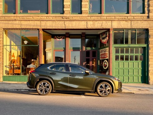 2020 Lexus UX250h Luxury Review - 12