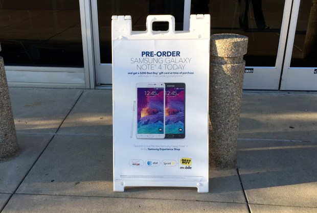 This is a sign that the Best Buy Galaxy S6 release date plans include a big deal.