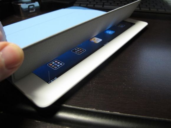 iPad 2 Review - Smart Cover Magnets