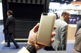 Mophie iPhone 6 Case Hands On -  4
