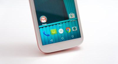 Moto E 2015 Hands On - 1