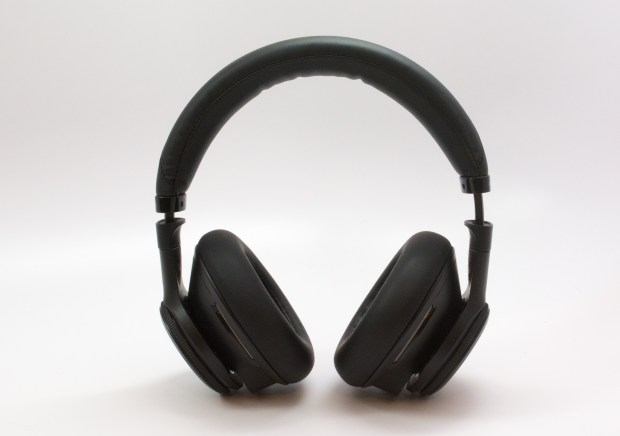 The Plantronics BackBeat Pro design is slightly bulkier than Bose, but it's not cumbersome.
