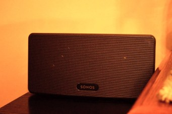 Sonos PLAY:3 Review in corner