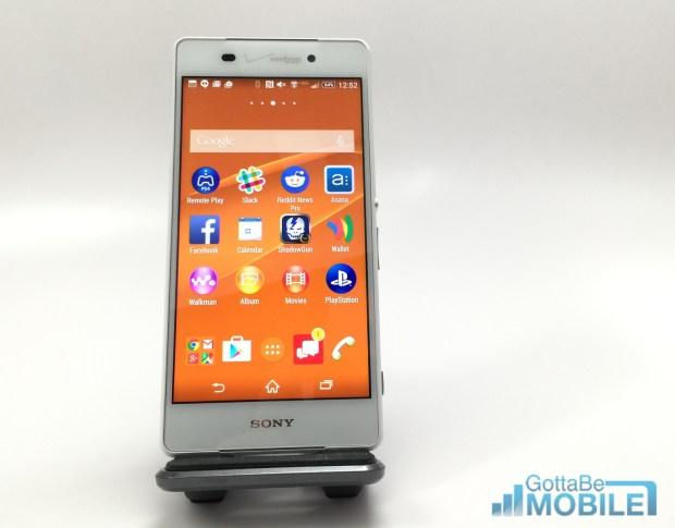The Sony Xperia Z3v runs Android 4.4.4 with a Sony overlay.