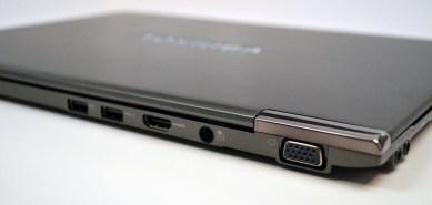Toshiba Portege z830 Ultrabook thickness