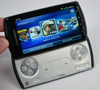 Xperia Play Controller Review