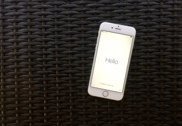 Apple continues testing before a public iOS 8.1.3 release date.