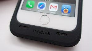 iPhone 6 Mophie Juice Pack Plus Review - 8