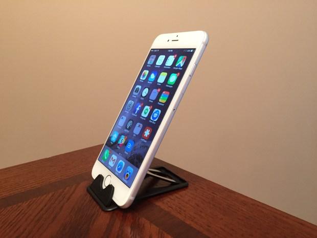 iPhone 6 Plus Accessories - Nite Ize QuikStand