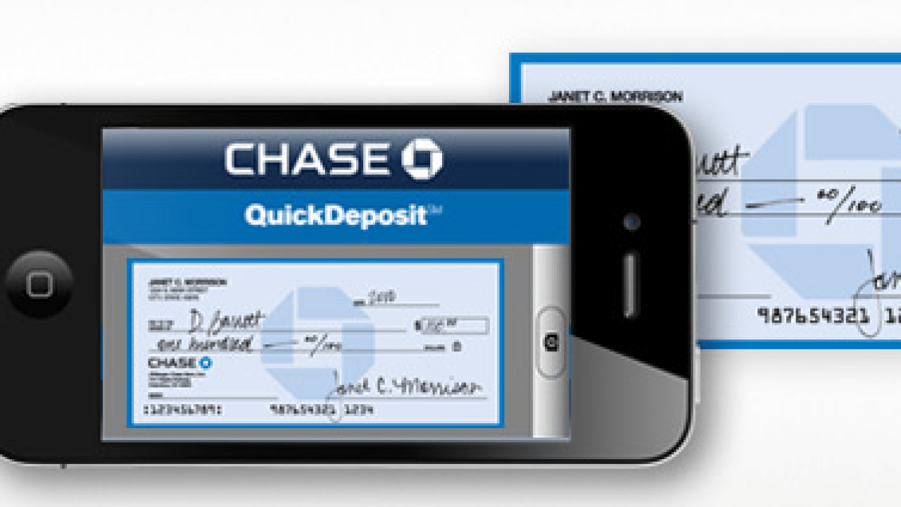 13 Banks That Let You Deposit Checks With Your iPhone