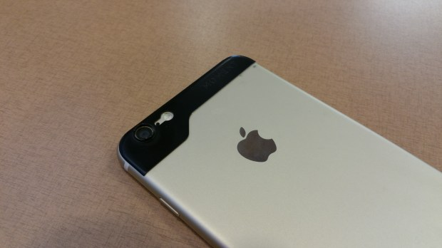 iphone 6 plus back with moment lens adapter
