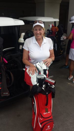 Image of editor with rental clubs at Wailea Golf Club