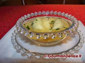 Bouillon-et-ravioles-de-foie-gras-bis