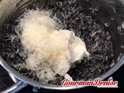 Risotto encre seiche crevettes