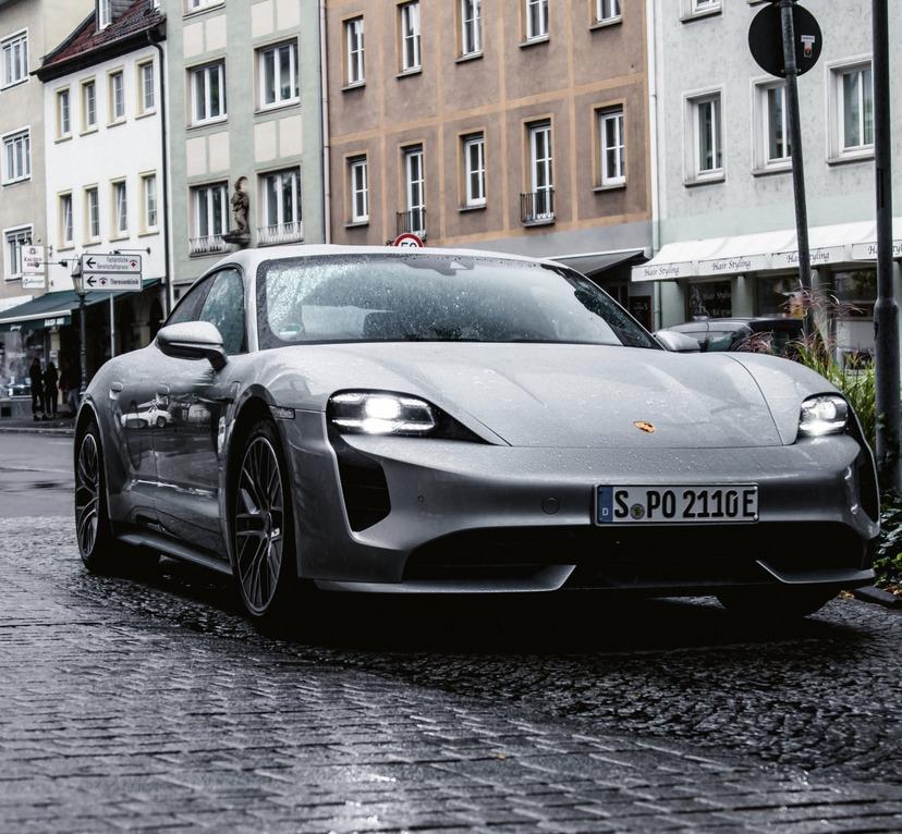 Der Porsche Taycan 4S exklusiv beim Hotel Rebstock