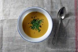Suppe von gebackenen Süßkartoffeln und Kokosmilch |GourmetGuerilla.de
