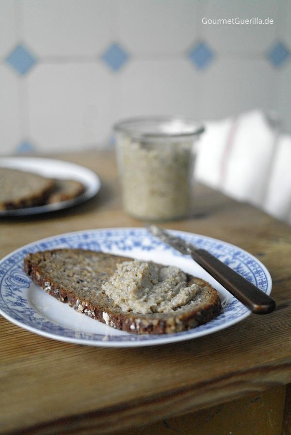 Vegetarische_Leberwurst_Pfaelzerin auf Brot