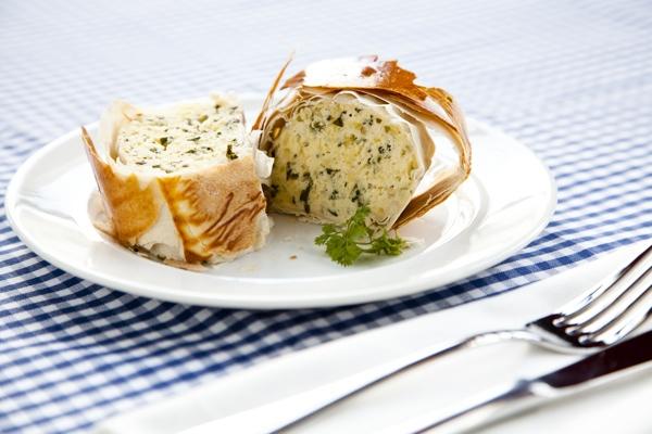 Hippe Knollen Kartoffel Quark Strudel mit Kräutern #kartoffel #rezepte #gourmetguerilla #event