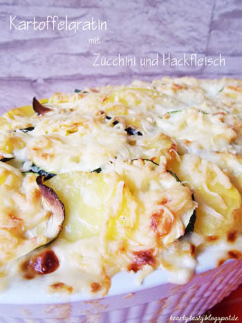 Kartoffelgratin mit Zucchini und Hackfleisch