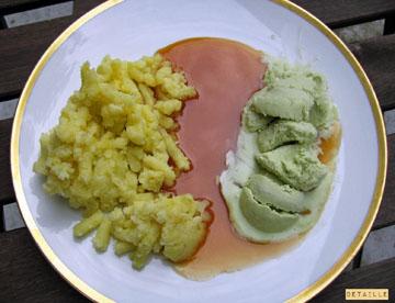 Stampfkartoffeln mit Matcha-Eis an Salzkaramellsauce