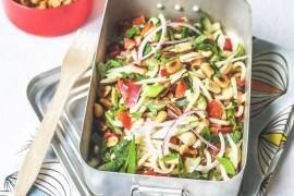 Spicy asiatischer Spaghettisalat mit knackigem Gemüse und Erdnüssen |GourmetGuerilla.de