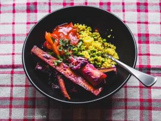Gebackene bunte Möhren mit Feta und Erbsen-Couscous |GourmetGuerilla.de