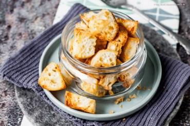 Selbtgemachte 5-Minuten Knoblauch-Croutons aus dem Airfryer - fettarm und schnell fertig |GourmetGuerilla.de