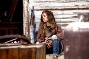 Haley Lu Richardson in 'The Last Survivors' (2014)