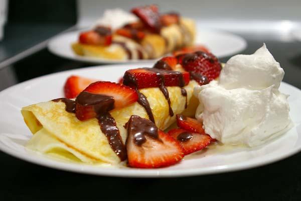 Dessert Crêpes - The Gourmet Housewife