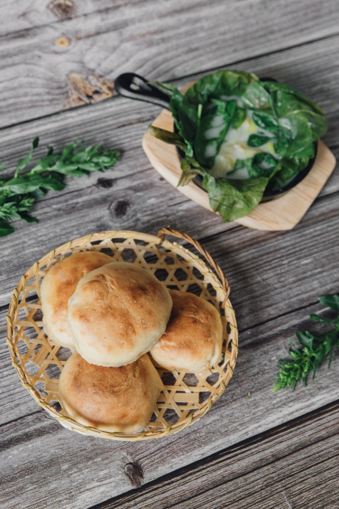 Coconut Buns (Lolo) and Creamed Spinach (Palusami)