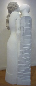 Le baiser - Taille sur béton cellulaire - 175 cm H Pièce unique