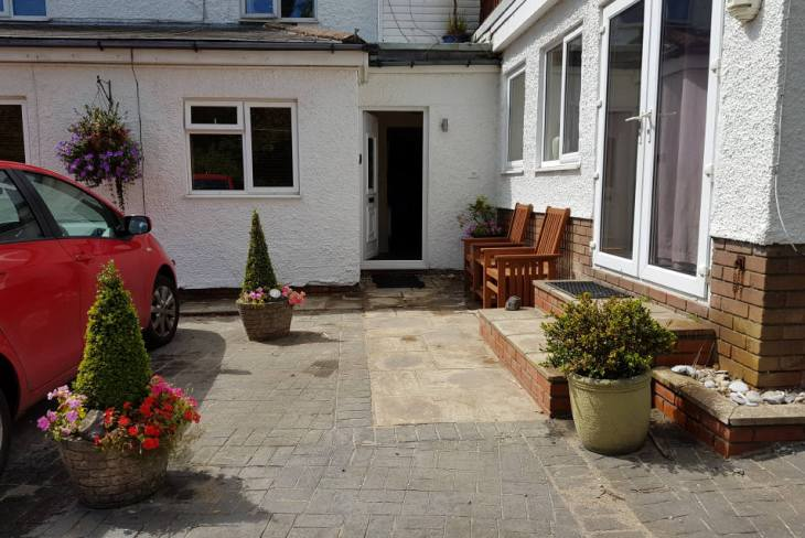 The entrance to Sea Breeze Apartment 2, Horton, Gower
