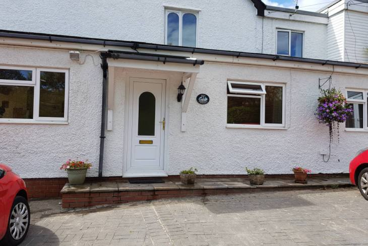 Sea Breeze Apartment 3 self-catering apartment, Horton, Gower