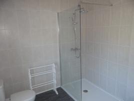 Upstairs bathroom at Sunnyside holiday cottage, Rhossili, Gower