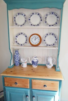 The dresser at Sunnyside self-catering accommodation, Rhossili, Gower