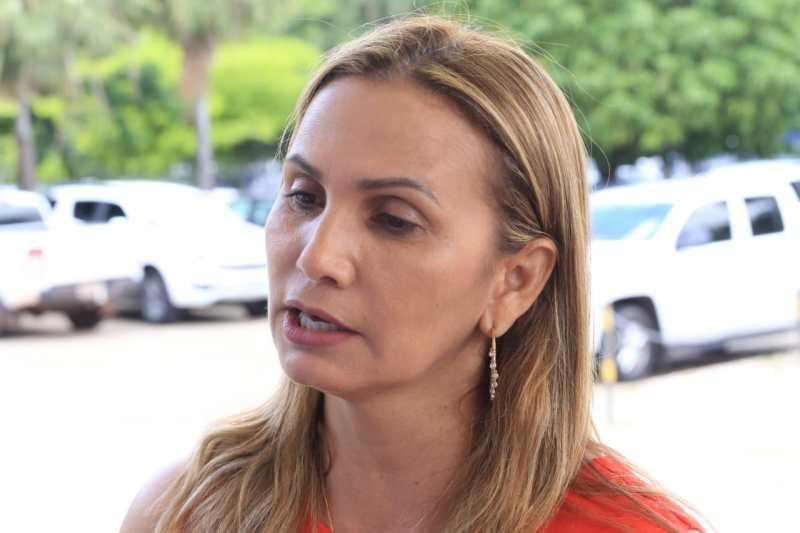 Carmelita Castro
