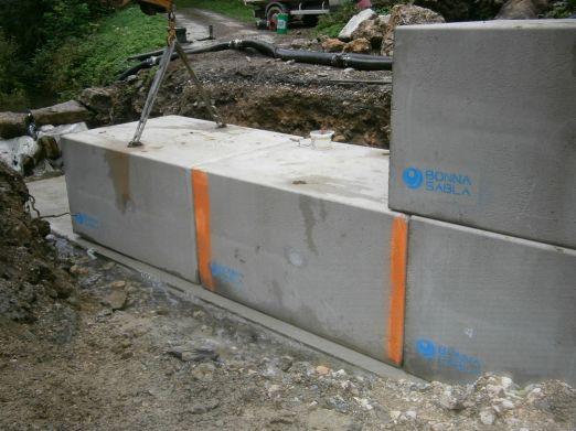 Installation du cadre béton