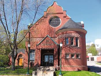 Gardiner Public Library, Gardiner, Maine.