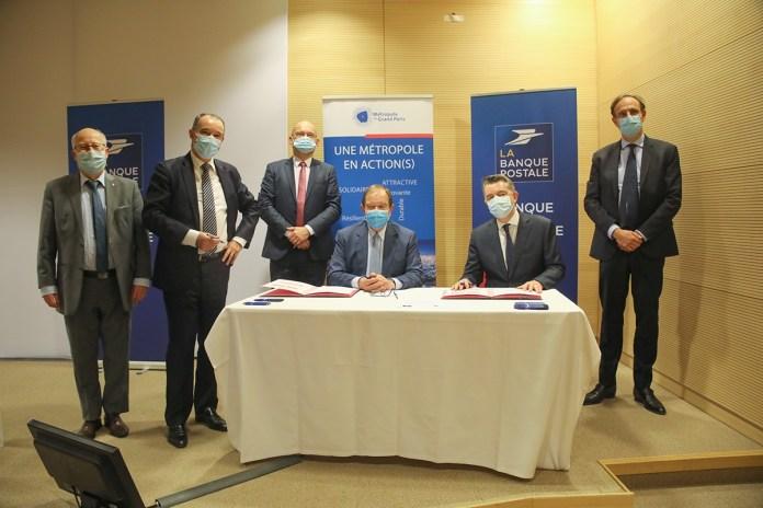 Signature partenariat Rénovation énergétique MGP Banque postale