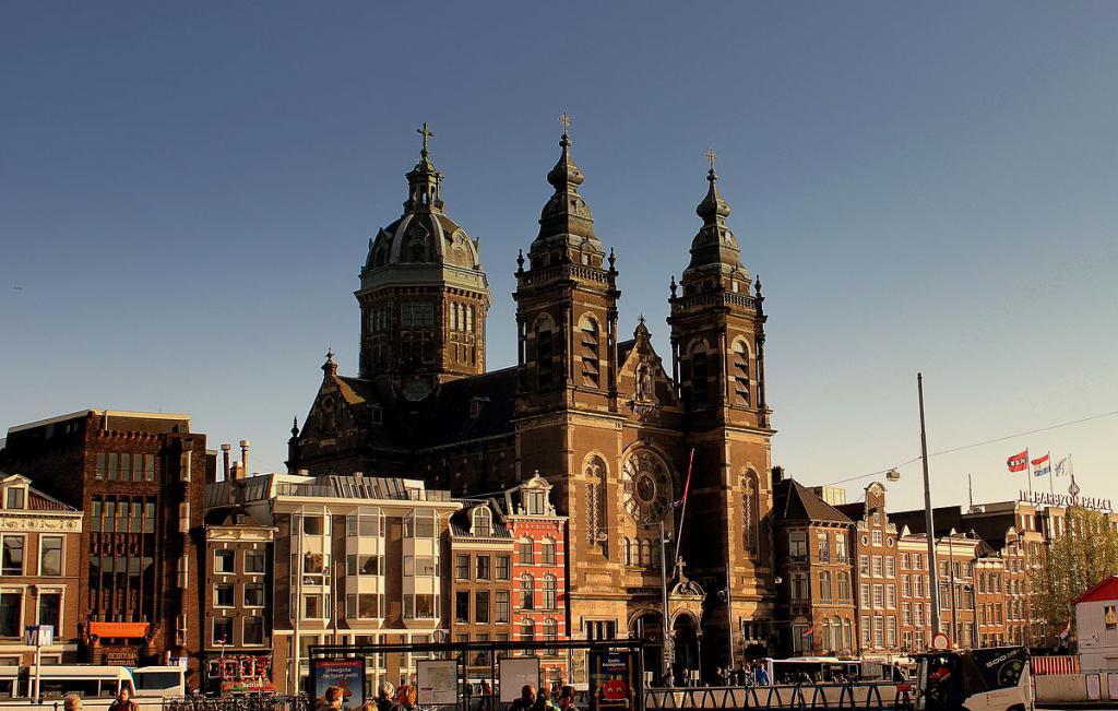 Résultats de recherche d'images pour «church in amsterdam»